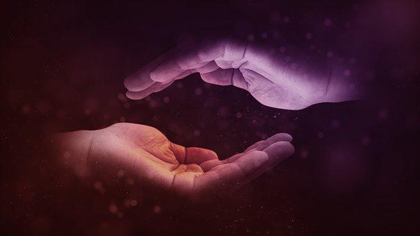 hands-1947915__340